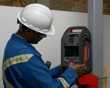 Blackline Safety G7 EXO, moniteur de gaz de zone monté pour l'entrée dans les espaces confinés.